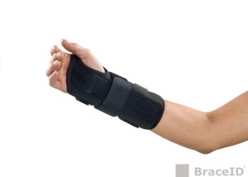 D-Ring Wrist Brace 2